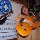Peña Solidaria de Médicos del Mundo con Tomás Lipan